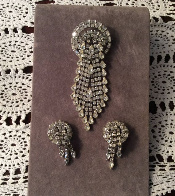 Sale. Rhinestone Pin and Earring Set