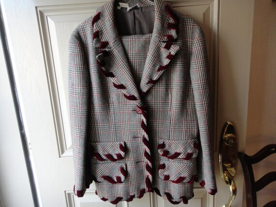 SALE DESIGNER  VALENTINO 2 pc. Suit