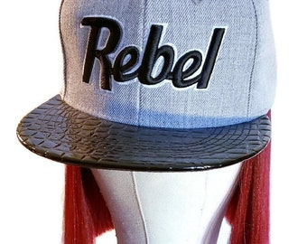 Rebel 3d embroidered Snapback in grey