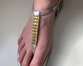 boho sandals / 70s metallic sandals /  thong sandals /  size US 8.5