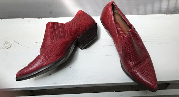 Red Cuban Heel Ankle Boots/Shoes /  Size 8 US