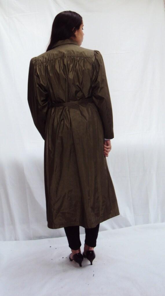 70s olive trench coat / puff sleeves / minimalist… - image 9