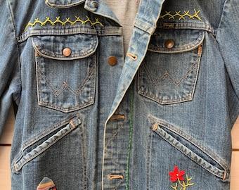 70s Wrangler Denim Jacket  / embroidered Faded Worn Distressed / Hippie denim Jacket /  Cropped Jacket / boho hippie Jacket /