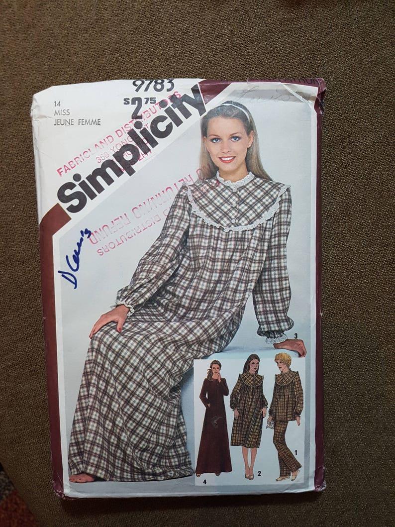 4803de7b1007d0 Schnittmuster für Nachthemd Damen Pyjama und Robe lange | Etsy