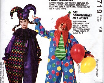 "UNCUT Unisex Loose Fitting Clown Jester Costume Size 7/8 Child's Vintage Children's Sewing Pattern Chest 26""-27"" (66-69 cm)- McCalls 6719 G"