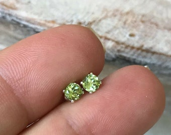 Dainty Silver Peridot Stud Earrings