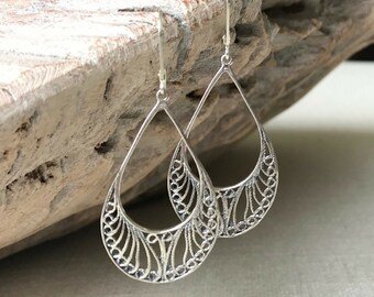 Medium Filigree Hoop Earrings in Gold or Silver