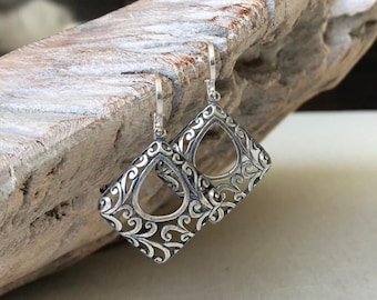 Silver Square Filigree Earrings