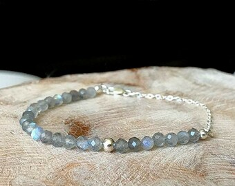 Dainty Labradorite Bracelet in Gold or Silver