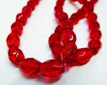 Dynamic Clear Red Glass Beads Necklace