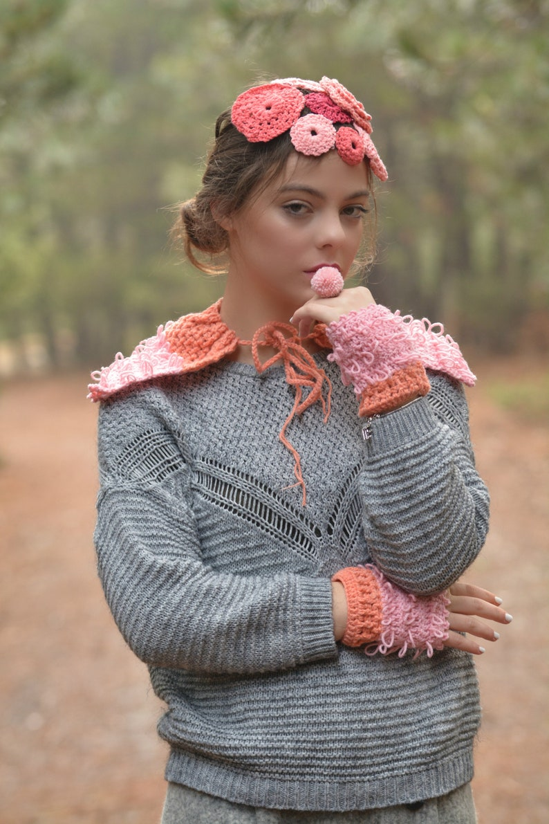 Crochet Loopy Capelet & Warmers image 0