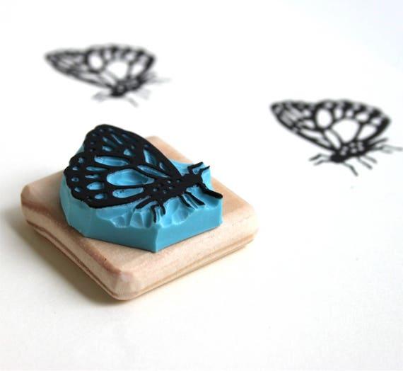 Beau Papillon Brodé Coussin y compris tampon interne
