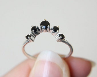 Black Spinel Crown Ring