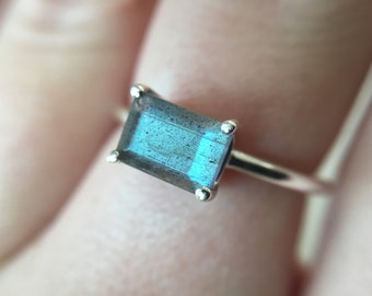 7x5 Emerald Cut Labradorite Ring