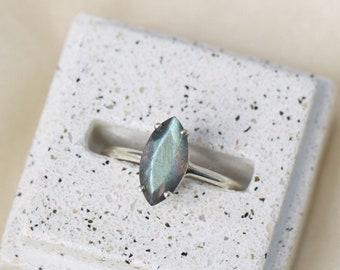 12x6 Marquise Labradorite Ring