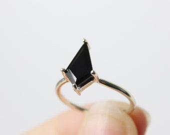 12x7 Black Spinel Kite Ring