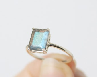 9x7 Emerald Cut Labradorite Ring