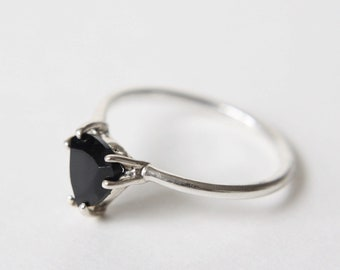 7mm Trillion Faceted Black Spinel Ring
