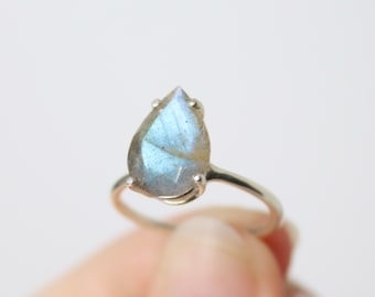 13x9 Faceted Pear Shape Labradorite Ring