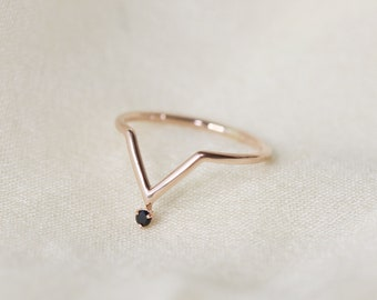 Black Spinel Chevron Ring