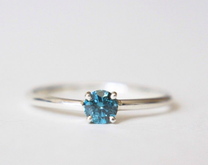4mm Round Blue Diamond Ring