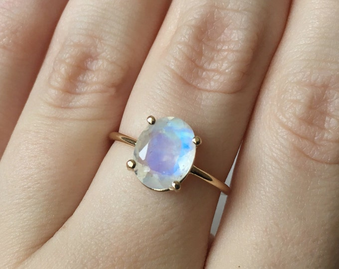 Gold Moonstone Ring, Moonstone Engagement Ring, Rainbow Moonstone Ring, 10x8 Oval Moonstone Ring, Moonstone Solitaire, June Birthstone