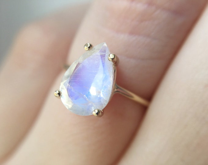 10x7 Pear Cut Faceted Moonstone Ring