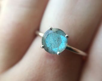 7mm Labradorite Ring