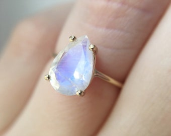 10x7 Pear Faceted Moonstone Ring