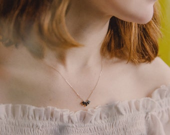 Laurel Necklace in Black Spinel, Black Spinel Necklace, Black Diamond Alternative, Dainty Necklace, Delicate, Everyday, Minimal Jewelry