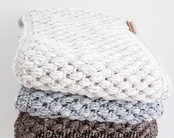 Puff Stitch Cowl   One Size Fits Most Adults   Made to Order   Textured Slouchy Circular Scarf Womens Fall Autumn Winter Pick Your Own Color