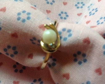 Vintage 14k Gold Ring, Pinkie Ring, Size 5 Ring, 80's Solid Gold Ring