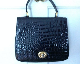 5489358ac574 Black Patent Leather Handbag