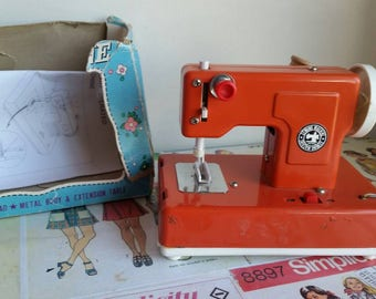 Sewing machine: singer e z stitch toy sewing machine instructions.