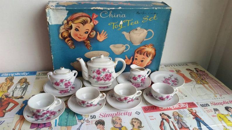 c827420553c Vintage 1950er Jahren Tee-Set floral rosa Kirschblüte Sakura | Etsy