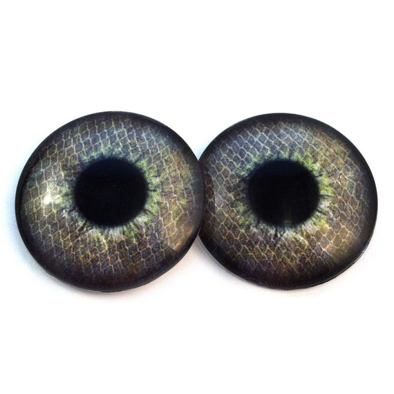 30mm Glass Eyes Green and Red Zombie Jewelry or Art Doll Sculptures Supplies