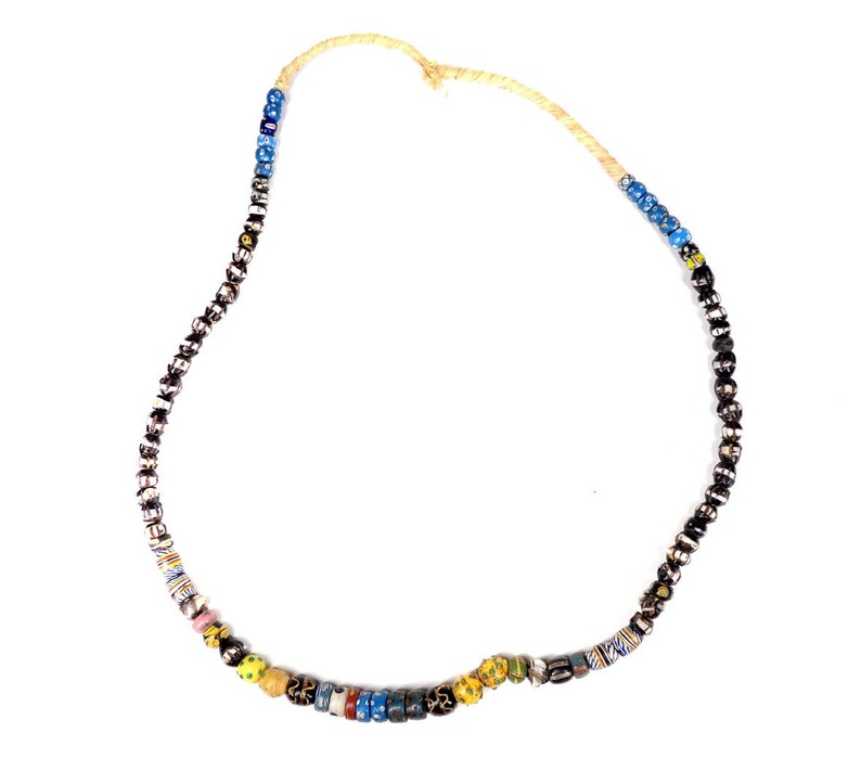 Venetian Trade Bead Mixed Africa 28 Inch 127494