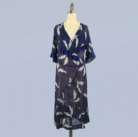 1920s Dress / 20s Lightweight Semi Sheer Leaf Pri… - image 2