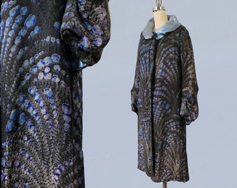 1920s Flapper Coat / 20s  Geometric Print Metallic Lamé Coat / Opera Coat / Baby Blue Satin Collar