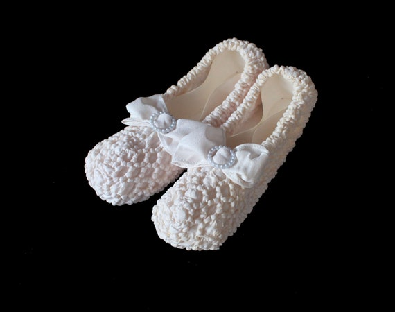 RARE Burial Shoes / 1940s Cream Crepe Funeral Deat