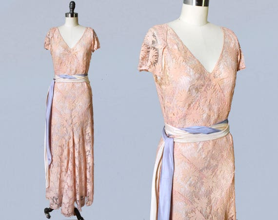 1930s Dress / 30s Peachy Pink Lace Gown / Wedding