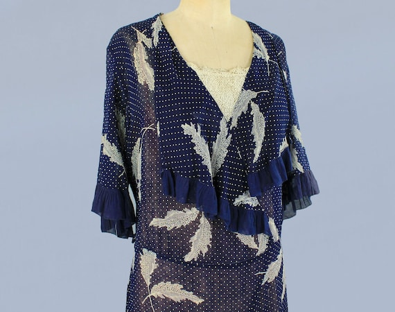 1920s Dress / 20s Lightweight Semi Sheer Leaf Pri… - image 4