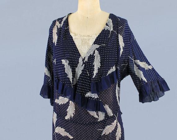 1920s Dress / 20s Lightweight Semi Sheer Leaf Pri… - image 3