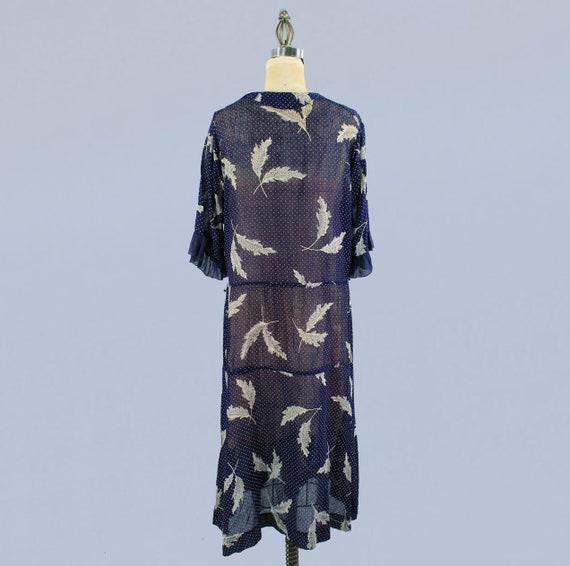 1920s Dress / 20s Lightweight Semi Sheer Leaf Pri… - image 6