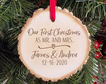 First Christmas Ornament - Mr and Mrs Couple Ornament - Personalized Wooden Gift Tag - Custom Tree Decoration for the Newlyweds