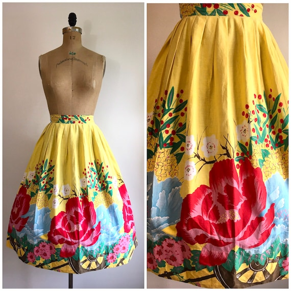 Vintage 1950s  Rose Border Novelty Print Skirt 50s