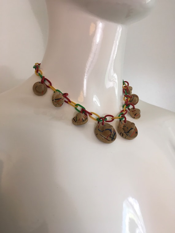 Vintage 1940s Wood Sombrero Celluloid Necklace 19… - image 4