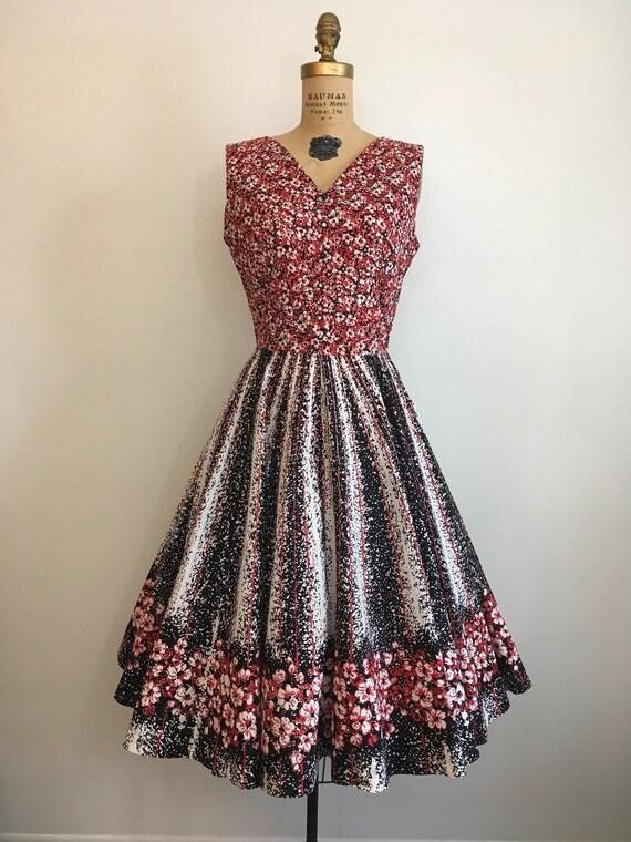 Vintage 1950's Border Print Floral Novelty Dress … - image 2
