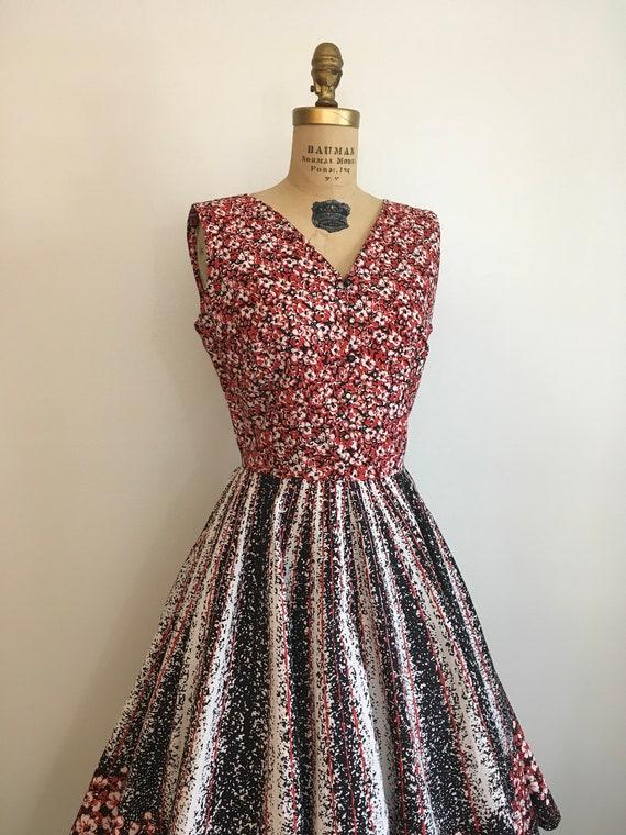 Vintage 1950's Border Print Floral Novelty Dress … - image 3