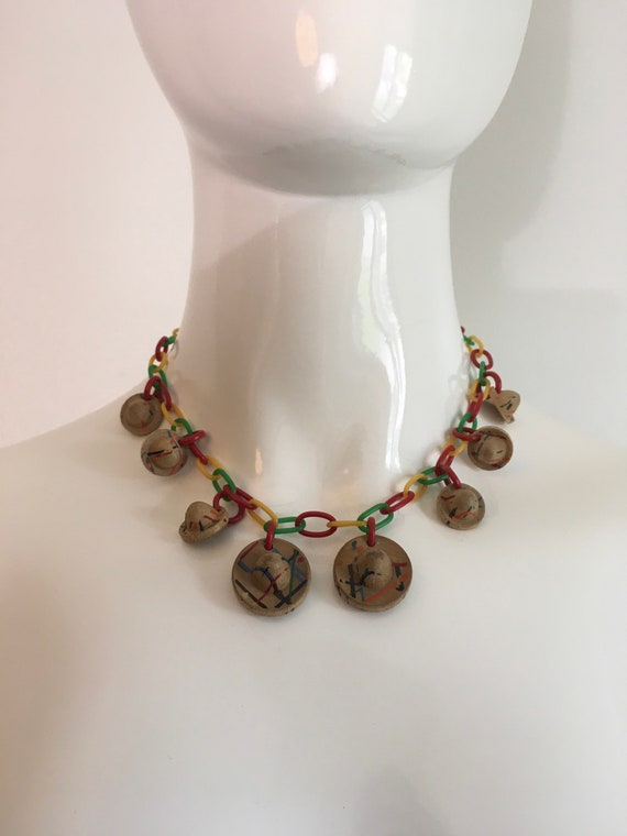 Vintage 1940s Wood Sombrero Celluloid Necklace 194